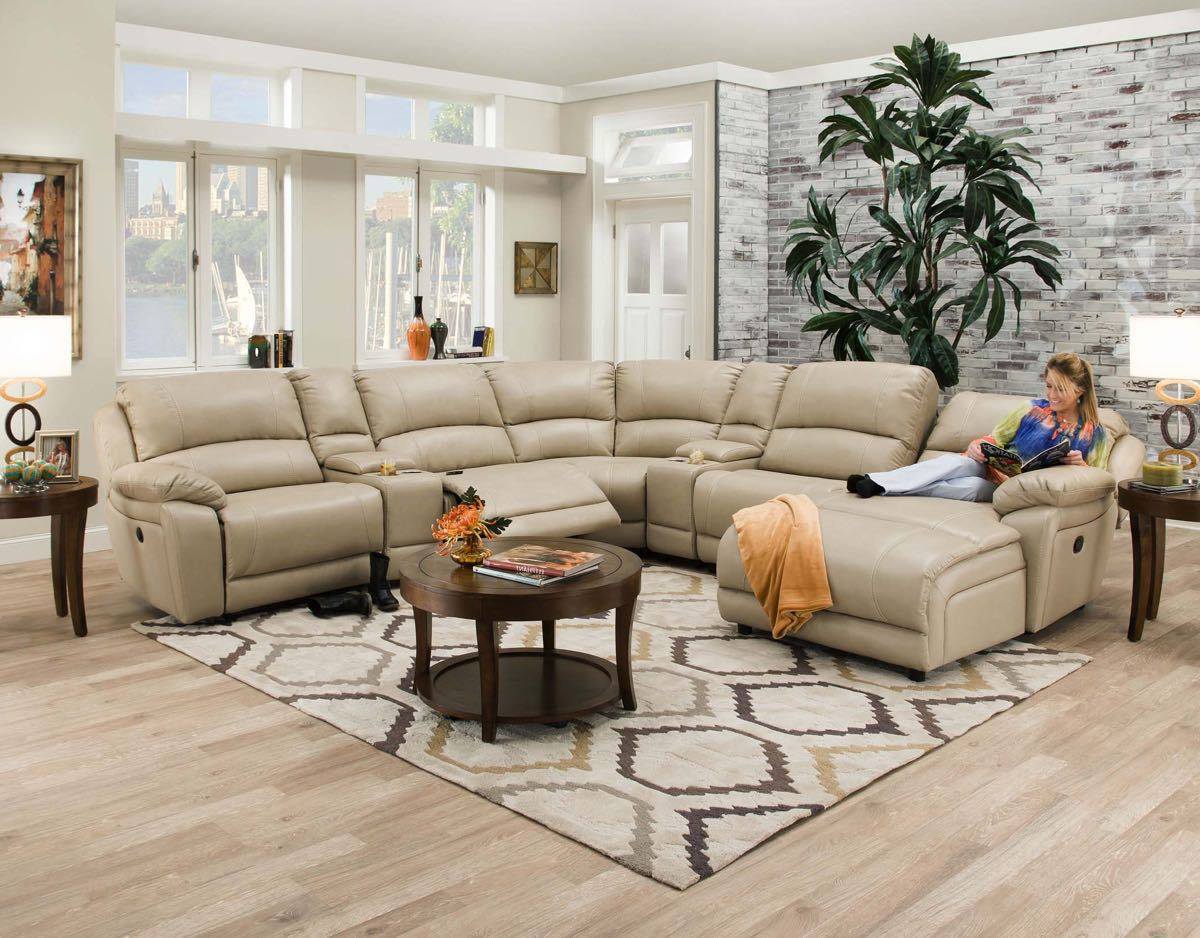 7 Piece Sectional: Faulkner Champagne
